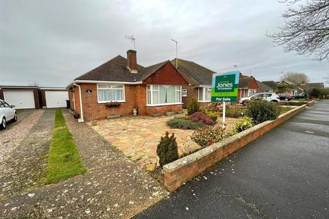 2 bedroom bungalow for sale - Singleton Crescent, Goring-by-Sea, Worthing, BN12