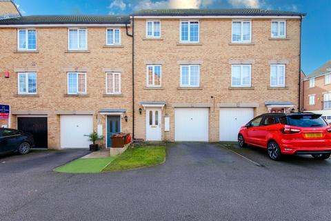 4 bedroom townhouse for sale - Toll Hill Court, Castleford, WF10 3FH
