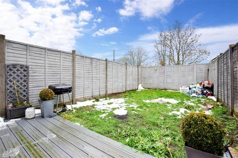 3 bedroom terraced house for sale - Beaufort Walk, Maidstone, Kent