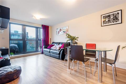 2 bedroom flat to rent - Spa Road, London