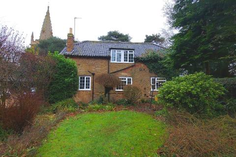 3 bedroom detached house to rent - Main Street, Branston, NG32