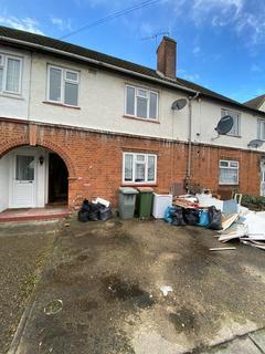 3 bedroom terraced house to rent - Westport Road, London, E13