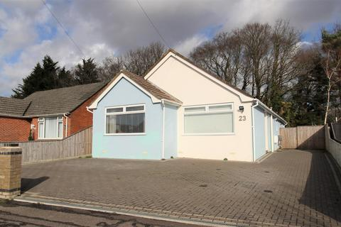 3 bedroom bungalow for sale - Allens Road,  Poole, BH16
