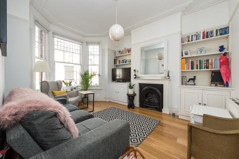 2 bedroom flat for sale - Sandmere Road, Clapham, London, SW4