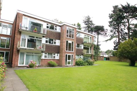 2 bedroom flat to rent - Warham Road, South Croydon