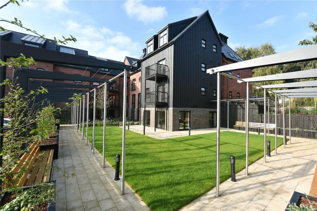2 Bedrooms Flat for sale in Old Maltings Approach, Woodbridge, Suffolk, IP12