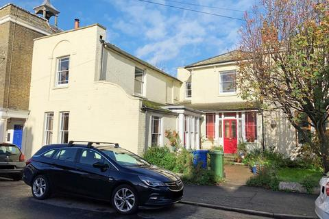 4 bedroom terraced house for sale - Town House, High Street, Queenborough, Kent