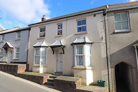 2 bedroom flat for sale - Holsworthy, Devon