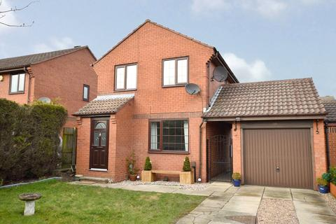 3 bedroom detached house for sale - Dawsons Corner, Stanningley, Pudsey