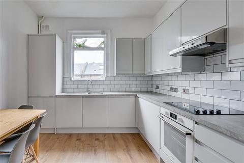 3 bedroom flat to rent - Vant Road, London, SW17
