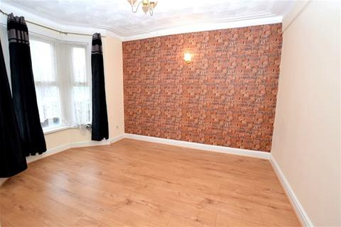 4 bedroom house to rent - Selby Road, Leytonstone