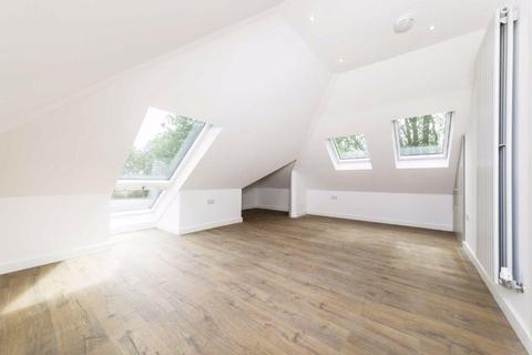 Studio to rent - London Road, Twickenham