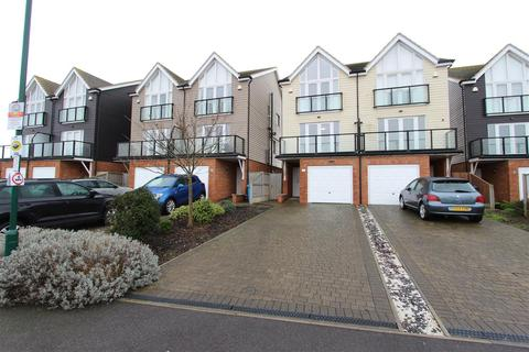 3 bedroom semi-detached house for sale - Sea View Mews, Leysdown-On-Sea, Sheerness