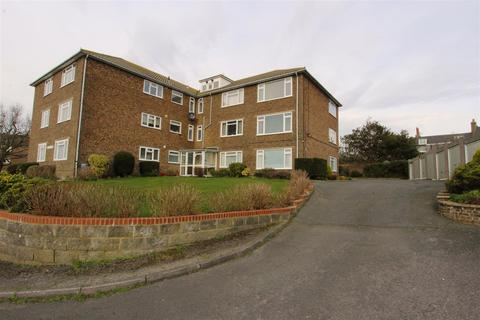2 bedroom flat for sale - Larkhill, Bexhill-On-Sea