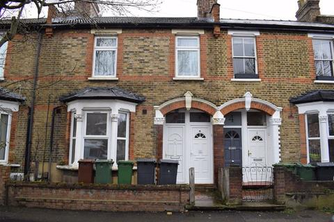 2 bedroom flat to rent - Hove Avenue, Walthamstow, London, E17