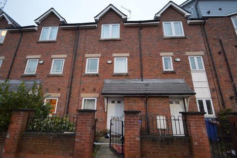 3 bedroom house to rent - Chorlton Road