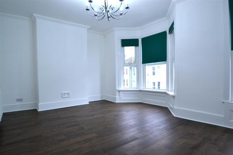 2 bedroom house to rent - Queens Park Road,Brighton, BN2 0GJ