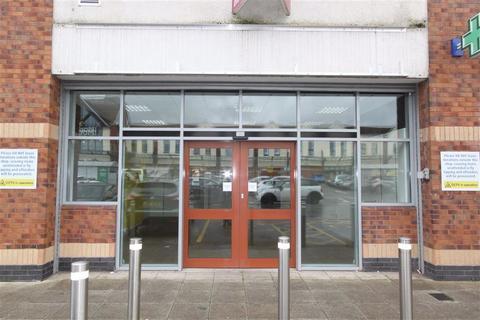 Shop to rent - Peterson Avenue, Hartcliffe, Bristol