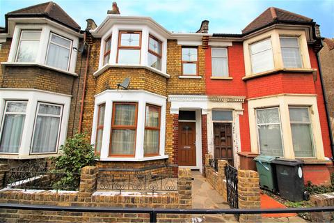 3 bedroom terraced house for sale - Chingford Road, London