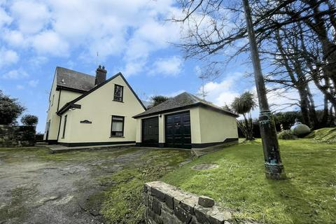 7 bedroom detached house for sale - Church Road, Burton, Milford Haven