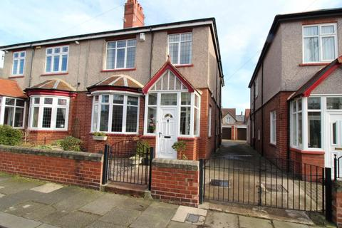 3 bedroom semi-detached house for sale - Winchester Avenue, Blyth
