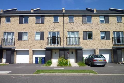 4 bedroom house to rent - Woodhead Drive, Cambridge,