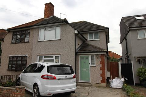 3 bedroom semi-detached house to rent - Mawney Road, Romford, Essex, RM7