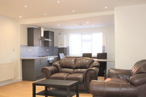 3 bedroom flat to rent - Heaton Park Road, Heaton, Newcastle Upon Tyne