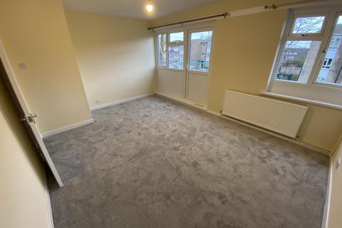 3 bedroom flat to rent - Aldriche Way, Highams Park, E4