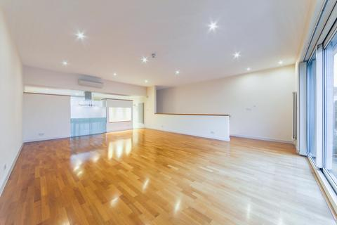 4 bedroom terraced house to rent - Basin Approach, Limehouse, London, E14