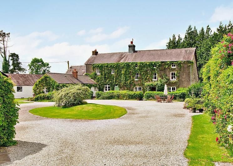 9 Bedrooms Detached House for sale in Llanarthney, Carmarthen, Carmarthenshire, SA32