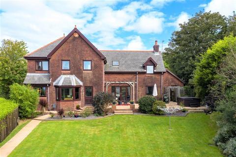4 bedroom detached house for sale - The Close, Spittal, Haverfordwest