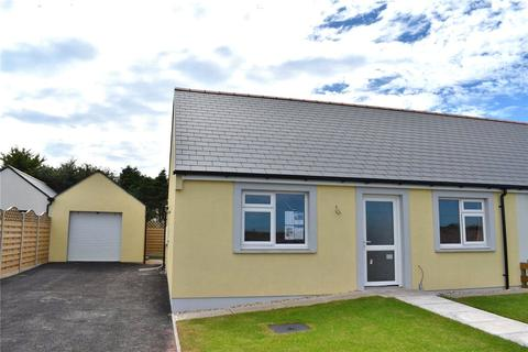 2 bedroom bungalow for sale - Bowett Close, Hundleton, Pembroke, Pembrokeshire