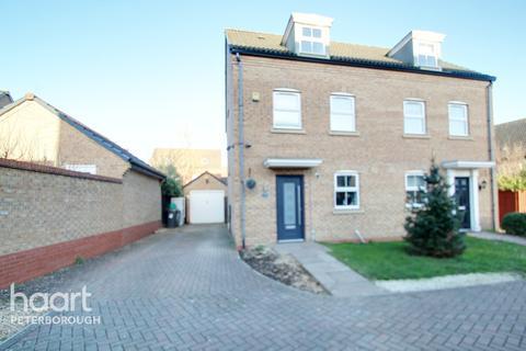 3 bedroom semi-detached house for sale - Vars Road, Peterborough