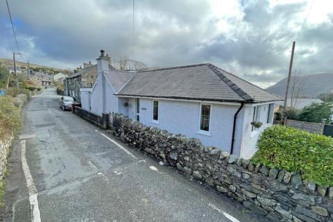 3 bedroom bungalow for sale - Waunfawr, Caernarfon, Gwynedd, LL55