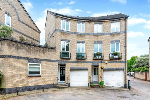 4 bedroom terraced house for sale - Hurley Crescent, London, SE16