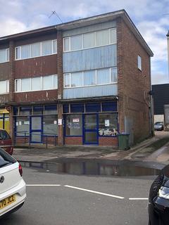 Retail property (high street) to rent - Causeway Green Road, Oldbury B68