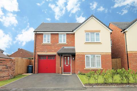 4 bedroom detached house to rent - Memorial Drive, Tamworth, B79 8UP