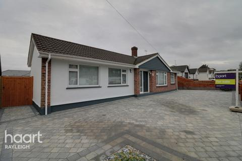 2 bedroom detached bungalow for sale - Grovewood Avenue, Leigh-On-Sea