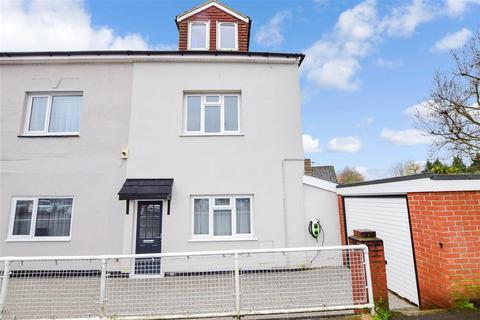 4 bedroom semi-detached house for sale - West Street, Havant, Hampshire