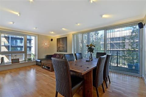 3 bedroom flat to rent - Boardwalk Place, Nr Canary Wharf, London, E14