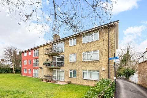 3 bedroom flat for sale - Baring Road Lee SE12
