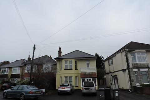 2 bedroom flat for sale - Truscott Avenue, Bournemouth