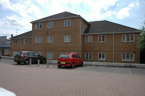 2 bedroom flat to rent - Hitchman House, 19a Collier Row Road, Collier Row
