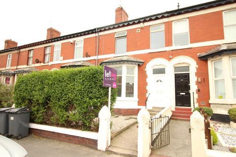 Studio to rent - Flat 2, 39 Egerton Road
