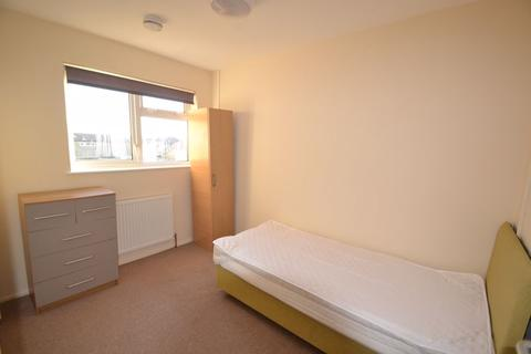 Mixed use to rent - Greig Walk, Corby