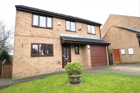 5 bedroom detached house for sale - Little Lane Court, Churwell, LS27