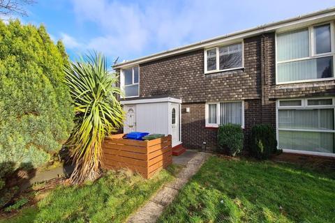 2 bedroom flat for sale - Highburn, Cramlington, Two Bed First Floor Flat