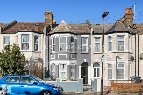 4 bedroom terraced house to rent - Roseberry Gardens, Harringay , London N4