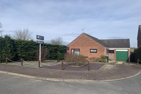 2 bedroom bungalow for sale - Gwyn Crescent, Fakenham